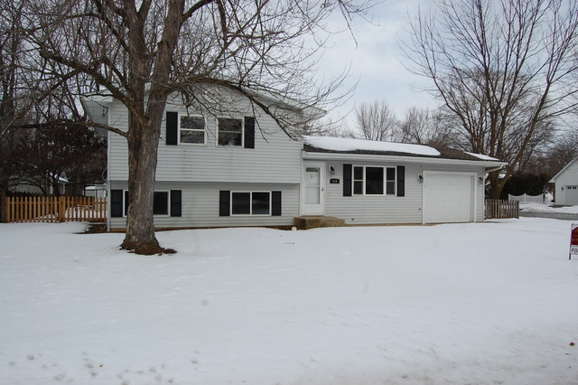 Property Photo for 519 E Lee Street, PLANO, IL 60545, MLS # 08515292