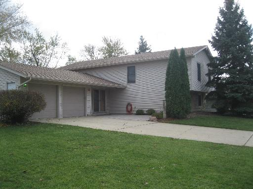 Property Photo for 257 Durham Lane, BLOOMINGDALE, IL 60108, MLS # 08546634