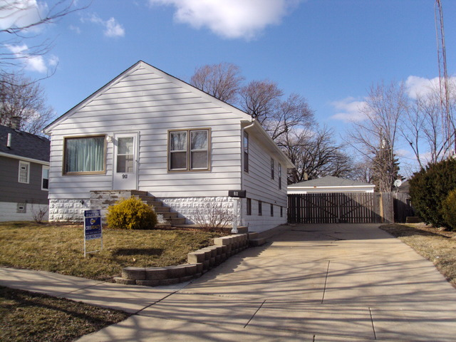 Property Photo for 911 Croghan Avenue, Joliet, IL 60436, MLS # 08549362