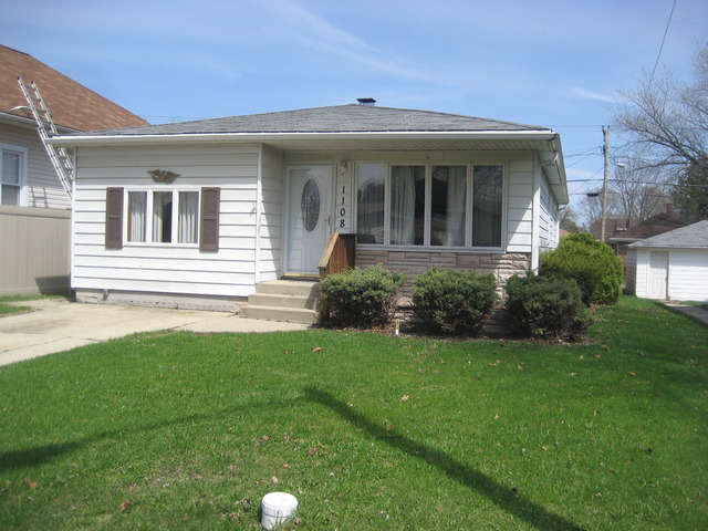 Property Photo for 1108 Waverly Place, JOLIET, IL 60435, MLS # 08549995