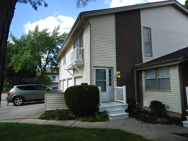 Property Photo for 317 LINCOLN Court, BLOOMINGDALE, IL 60108, MLS # 08552007