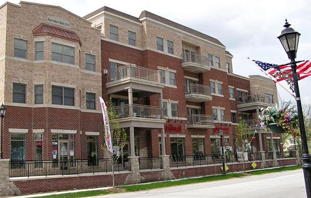 17200 Oak Park Avenue #402 Tinley Park, Illinois 60477 Is
