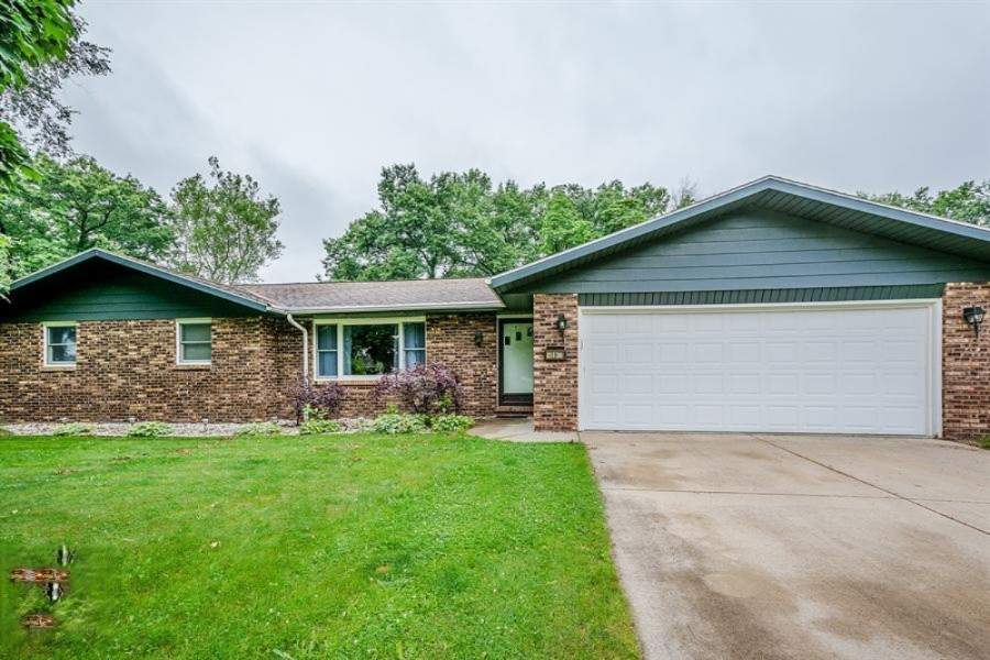 5136 riverview drive coloma michigan 49038 is off market for The family room kouts in
