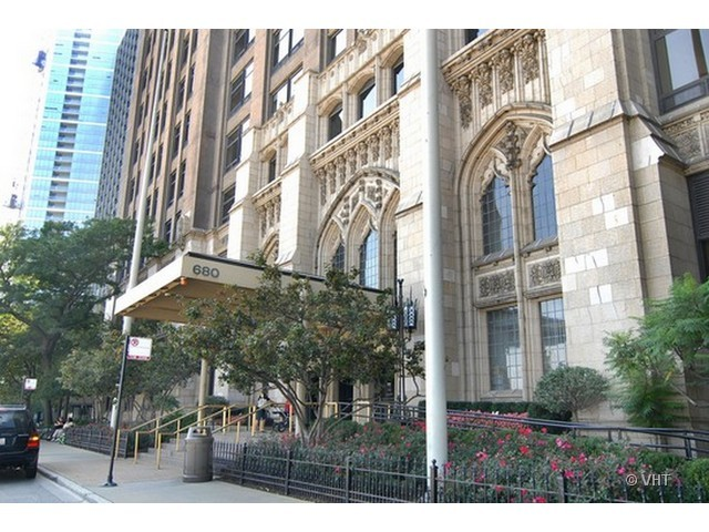 680 N Lake Shore Drive 680 N Lake Shore Drive 618 Chicago IL 60611 properties