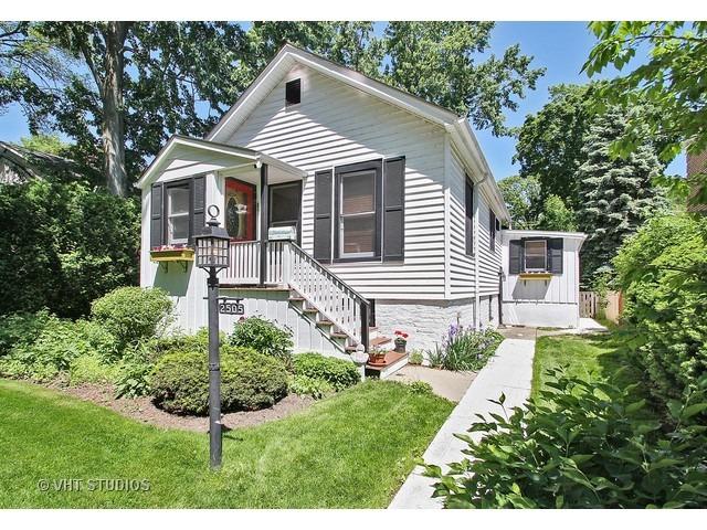2505 noyes street evanston il 60201 properties for Noyes home