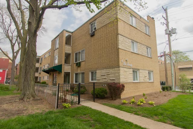 Oak Park Illinois 60302 339 Home Avenue