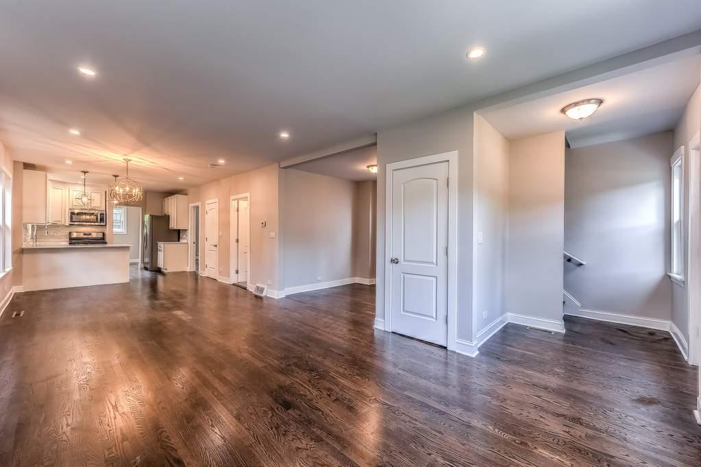 2020 Dodge Avenue Evanston Il 60201 Mls 10537759 Properties
