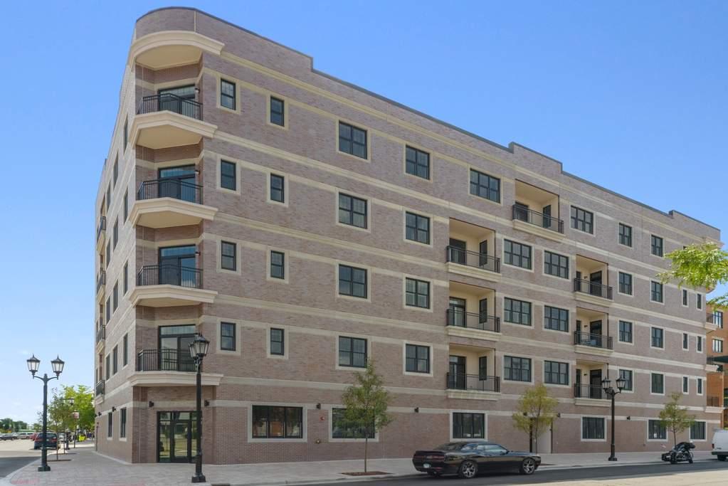 105 S Cottage Hill Avenue 205 Elmhurst Il 60126 Mls 10821693 Properties