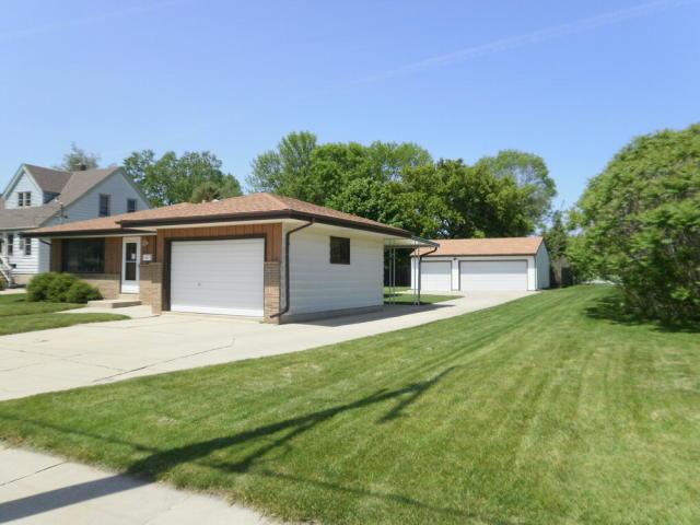 3442 E Grange Ave Cudahy, WI 53110 | MLS# 1258273 | @properties
