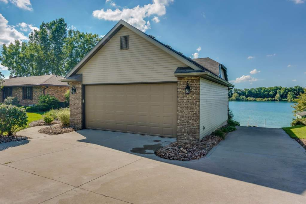 71234 indiana lake drive union michigan 49130 is for sale