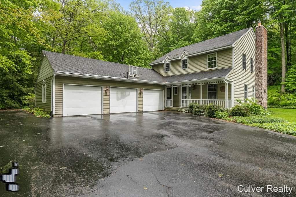 6950 Austhof Woods Drive SE Alto, MI 49302 | MLS# 19009912 | @properties